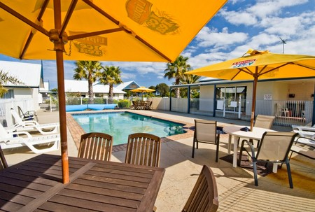 Torquay Tropicana Motel - Accommodation Brunswick Heads