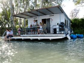 The Murray Dream Self Contained Moored Houseboat - Accommodation Brunswick Heads