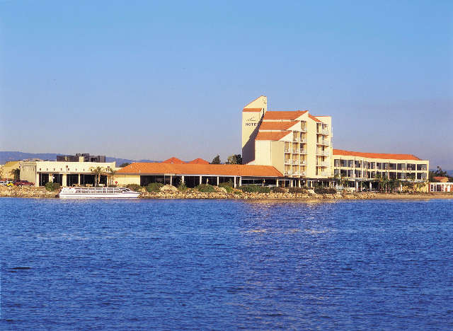 The Lakes Resort Hotel - Accommodation Brunswick Heads