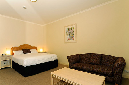 Quality Hotel Tiffins on the Park - Accommodation Brunswick Heads