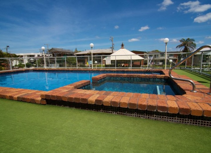 Foreshore Apartments, Mermaid Beach - Accommodation Brunswick Heads