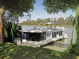 Boats and Bedzzz - The Murray Dream self-contained moored Houseboat - Accommodation Brunswick Heads