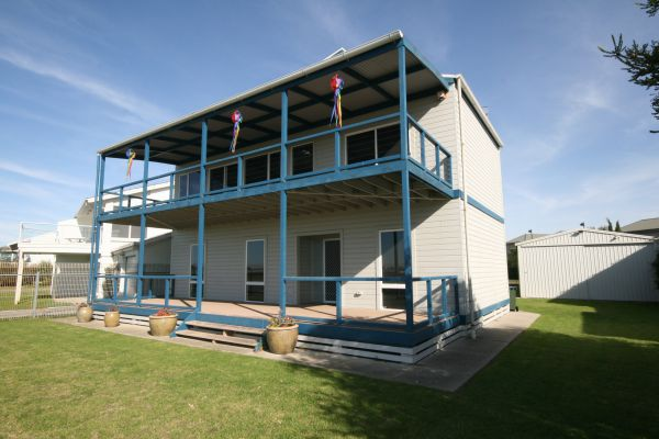 LJ Hooker Goolwa Holiday Rentals - 25 Barrage Road Goolwa South - Accommodation Brunswick Heads
