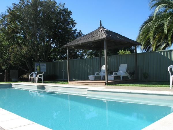 Golden Chain Wine Village Motor Inn - Accommodation Brunswick Heads