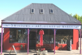 3 Windows Gallery - Accommodation Brunswick Heads