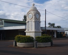 Barcaldine War Memorial Clock - Accommodation Brunswick Heads