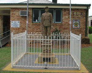 Soldier Statue Memorial Chinchilla - Accommodation Brunswick Heads