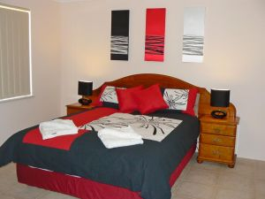 Geraldton Luxury Vacation Home - Accommodation Brunswick Heads